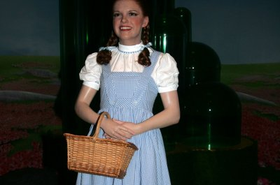 'Wizard of Oz' dress sells for $1.56 million