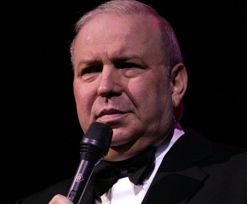 Entertainer Frank Sinatra Jr. dies at 72