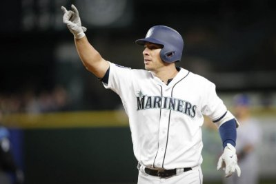 Seven-run seventh propels Seattle Mariners past Texas Rangers