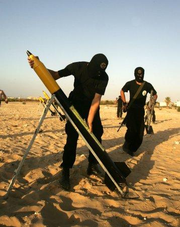 Israeli seeks to deter missile attacks