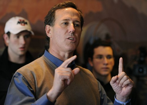 Santorum, Romney leave Paul behind in Iowa