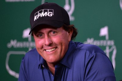 SEC: Phil Mickelson made $1 million in insider stock trading scheme