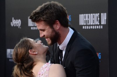 Liam Hemsworth, Jeff Goldblum, Joey King attend 'Independence Day: Resurgence' premiere