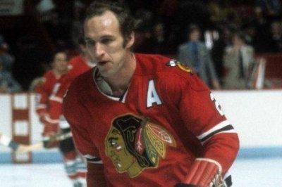 Former Chicago Blackhawks defenseman Bill White dies at 77