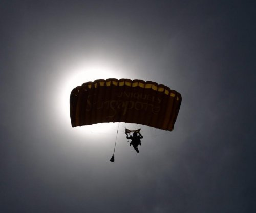 3 Australian skydivers dead after mid-air collision