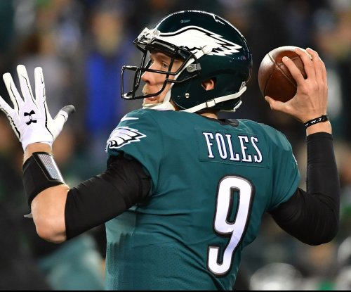 Foles: Excited to play for Eagles 'at least one more year'