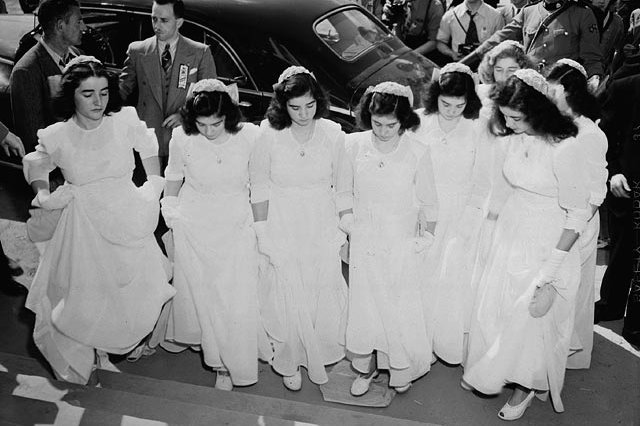 On This Day: First surviving set of quintuplets born in Canada