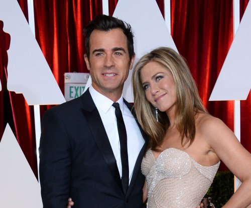 Justin Theroux talks newlywed life, returns to work on 'Leftovers' set