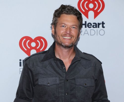 Blake Shelton says he's thankful for Gwen Stefani 'for tons of reasons'