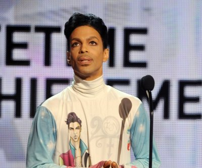 Minnesota judge cuts list of legal heirs to Prince's vast estate to 8