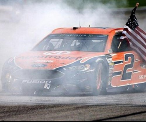 Brad Keselowski gets win at Atlanta Motor Speedway