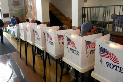 Research: Dems have more voter excitement, advantages for midterms than GOP