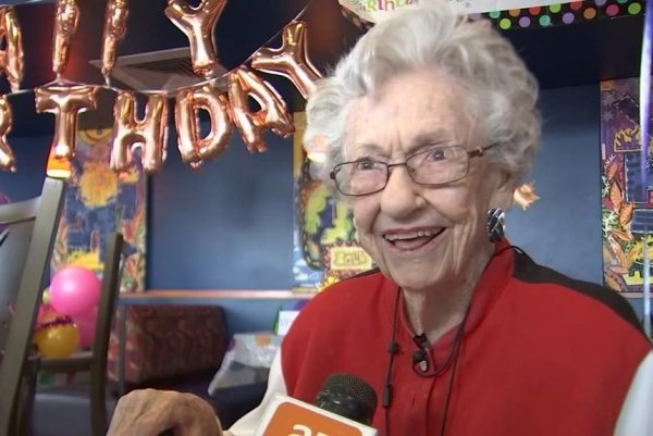 Watch Woman Celebrates 106th Birthday At Taco Bell