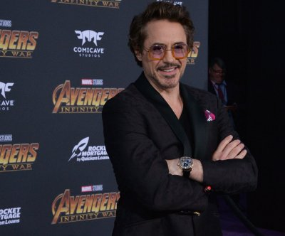 Robert Downey Jr. smiles, travels with animals in 'Dolittle' trailer