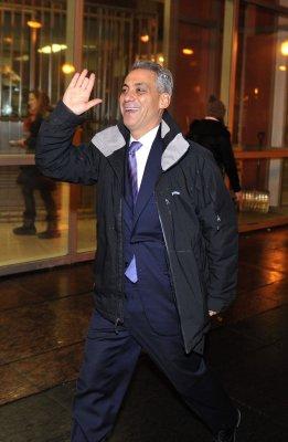 Chicago poll gives Emanuel huge lead