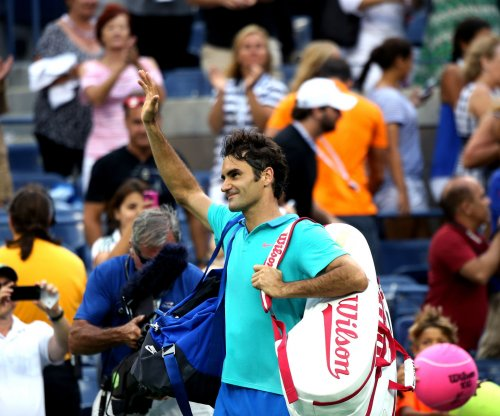 Federer beats Djokovic in Dubai final