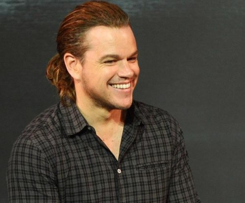 Matt Damon debuts man-bun at press conference for 'The Great Wall'