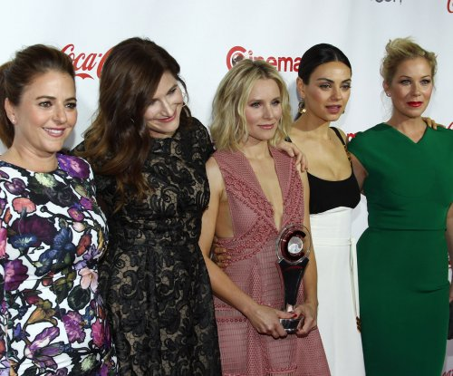 Kristen Bell and Mila Kunis wreak havoc in 'Bad Moms' trailer