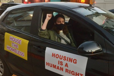 Los Angeles deploys medical street teams to help homeless