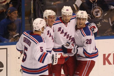 New York Rangers top Los Angeles Kings in rematch of Stanley Cup Finals