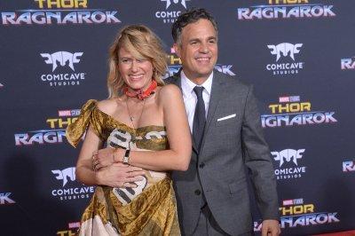 Mark Ruffalo accidentally livestreams 'Thor: Ragnarok' on Instagram