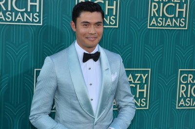 'Crazy Rich Asians' is No. 1 for 2nd weekend with $25M