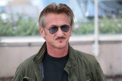 Sean Penn announces 'Fast Times' table read