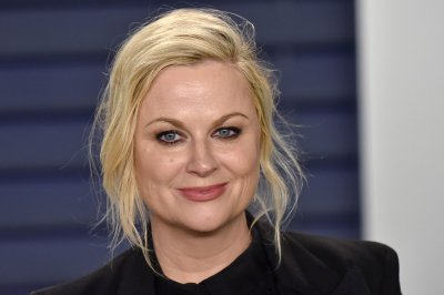 Amy Poehler had stress dreams about hosting Golden Globes