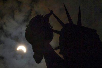 Solar eclipse to darken sky over NYC, Montreal Thursday morning