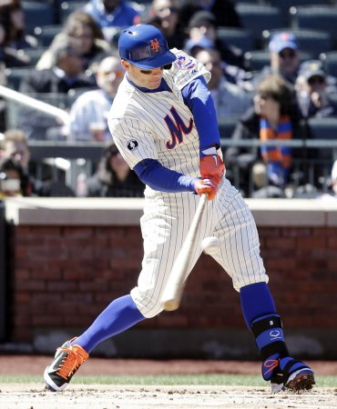 Mets claim series win, shut out Pirates
