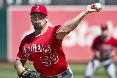 Hector Santiago, Los Angeles Angels blank Texas Rangers