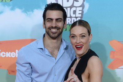 'DWTS' judges cheer Nyle DiMarco's stunning 'Sound of Silence' dance