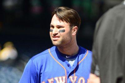 Neil Walker's 3-run homer helps New York Mets top Philadelphia Phillies