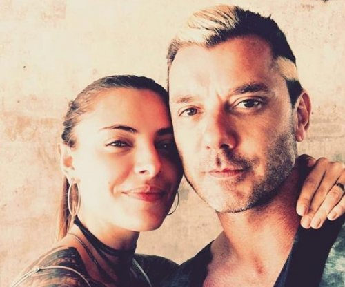 Gavin Rossdale cozies up to Sophia Thomalla in new photo