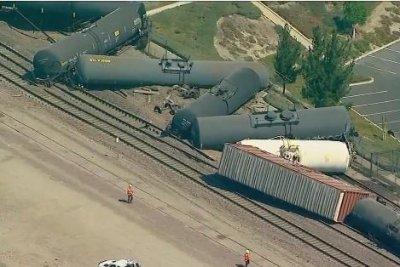 Freight train derails in Southern California, spills liquid