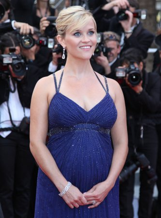 Witherspoon gives birth to a son