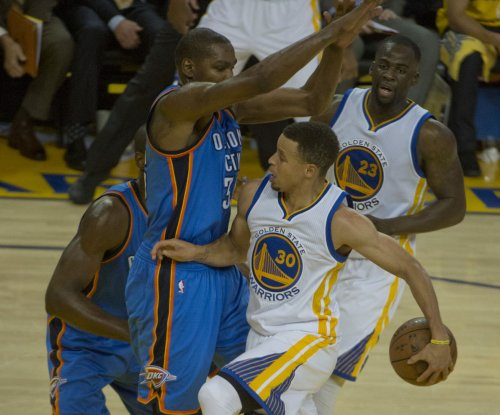 Golden State Warriors' Stephen Curry comments on elbow injury
