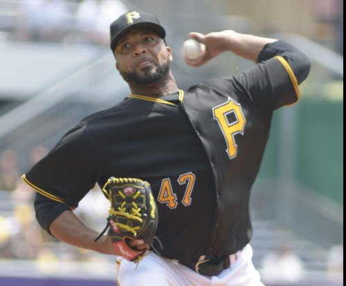 Late sub Matt Joyce powers Pittsburgh Pirates past Milwaukee Brewers