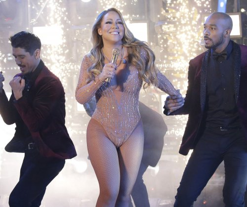 Technical difficulties mar Mariah Carey's New Year's Eve performance