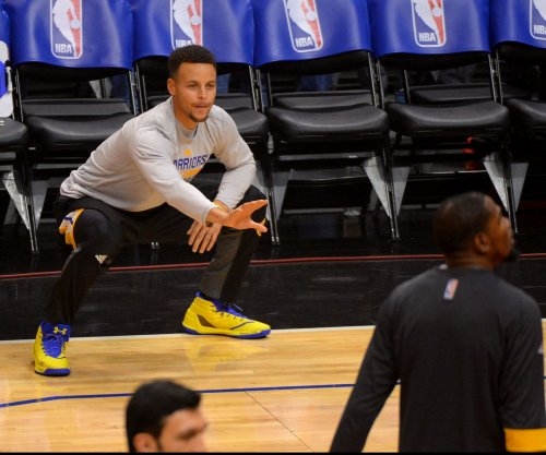 Stephen Curry disses Donald Trump, LeBron James trashes travel order