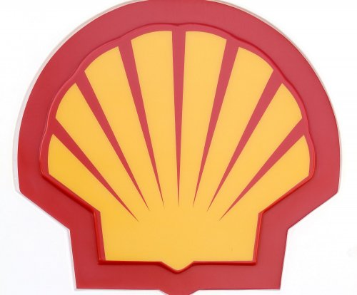 Royal Dutch Shell sees big profits, but lower cash flow