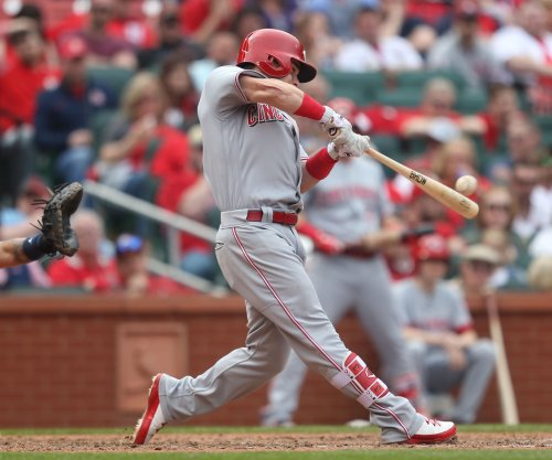 Scooter Gennett, Cincinnati Reds aim to extend Pittsburgh Pirates' skid
