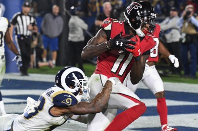 Jones attends workout with Falcons teammates