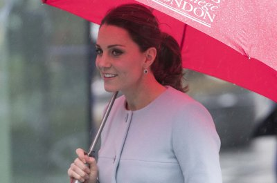 Kate Middleton visits babies at U.K. preschool