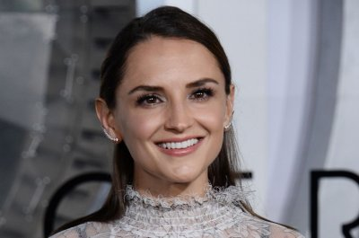 Rachael Leigh Cook joins 'She's All That' remake 'He's All That'
