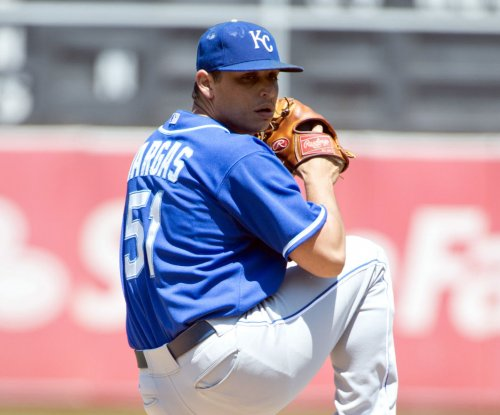 Jason Vargas gets 12th win as Kansas City Royals rout Minnesota Twins