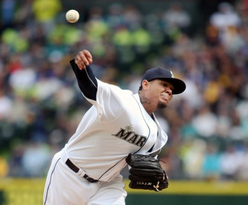 Seattle Mariners ace Felix Hernandez, three relievers shut out Oakland Athletics