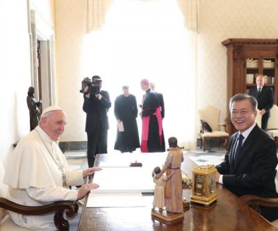 Pope Francis signals interest in meeting with Kim Jong Un