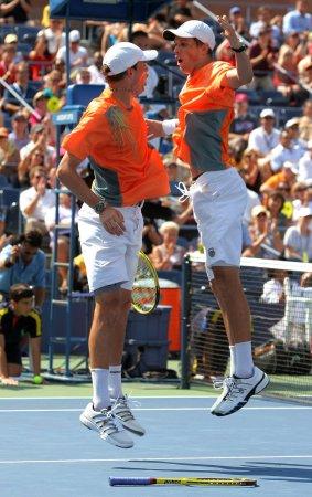 Bryans reach Australian Open doubles final