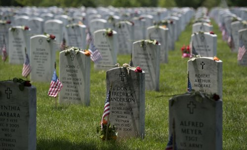 Man dead after shooting himself near 9/11 Pentagon memorial at Arlington Cemetery